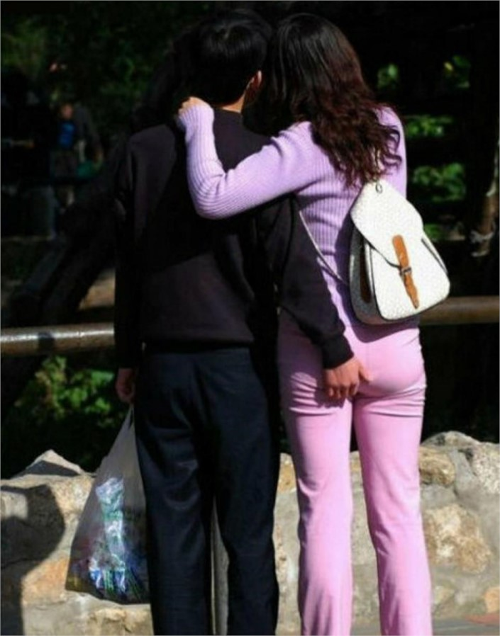 Crazy couples doing private things in public4