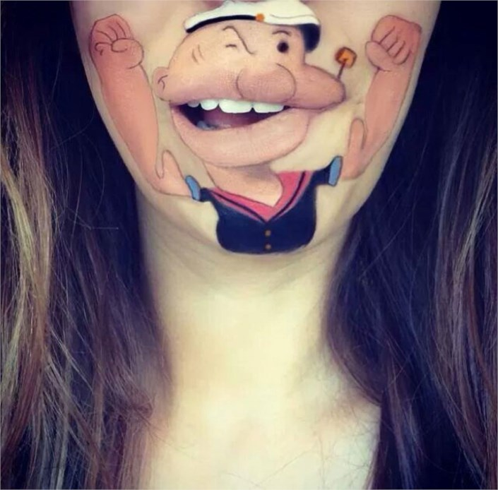 woman-makes-cartoons-mouth