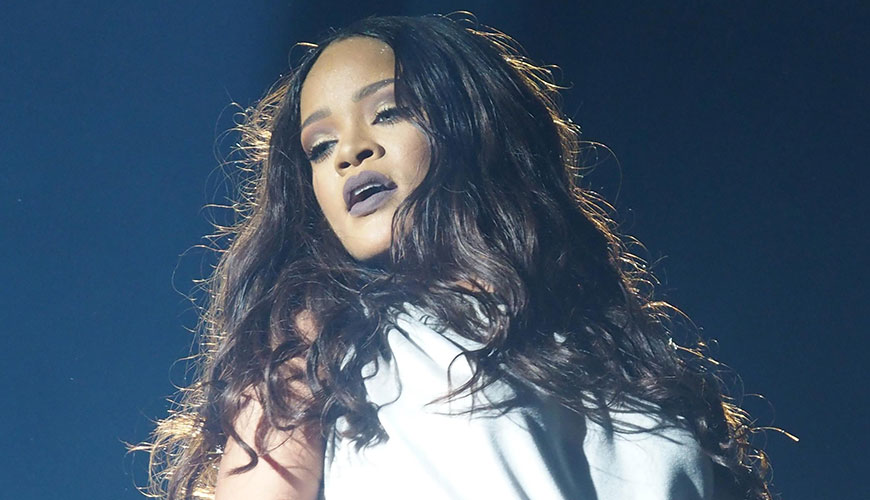 Rihanna with new trend hairstyle