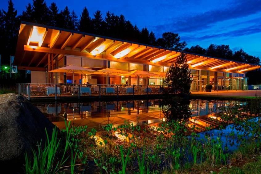 The awarded two toques restaurant Aqarium the resort
