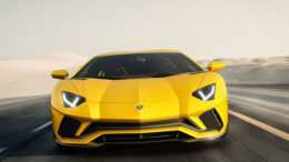 Since 2011 the Lamborghini Aventador is at the start, for 2017 the Supersportler gets a refreshment missed. These include more power, optimized aerodynamics and four-wheel steering.