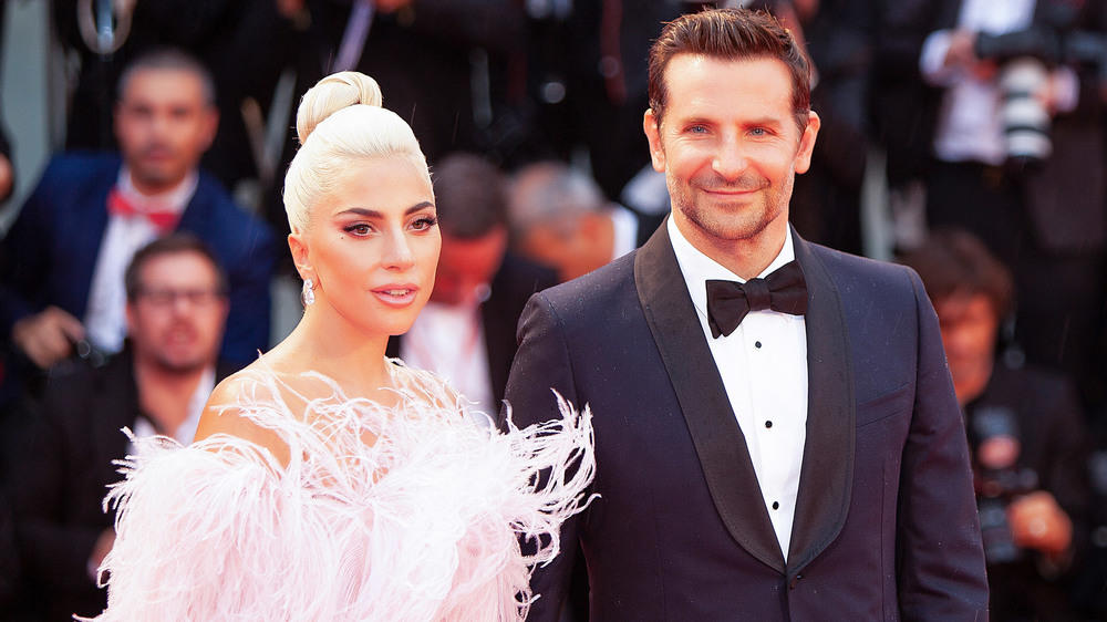 Bradley Cooper and Lady Gaga sing on the Oscar stage